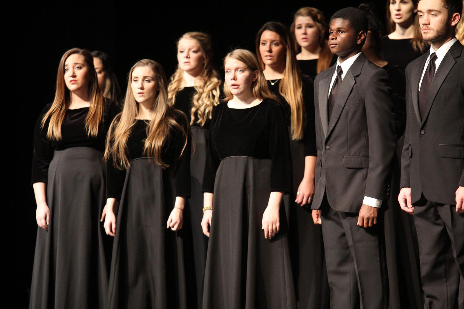 10_choir-holiday-concert-kt