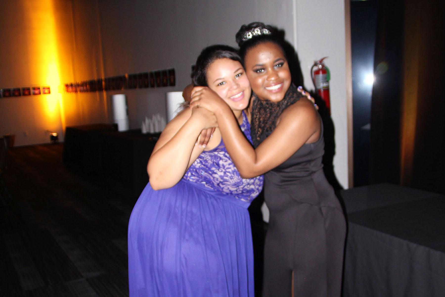 purple-dress-sisters-cs