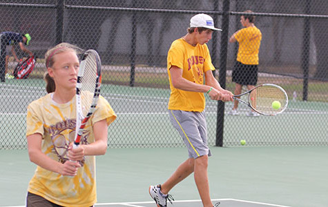 Tennis swings into fall season with 12-2 record