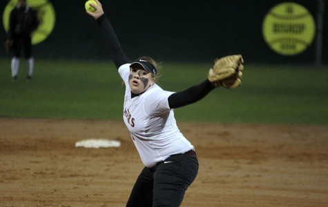 Softball team wins all five games in Mansfield tournament