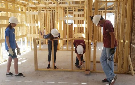 Habitat for Humanity club members help build homes, host Shack-A-Thon