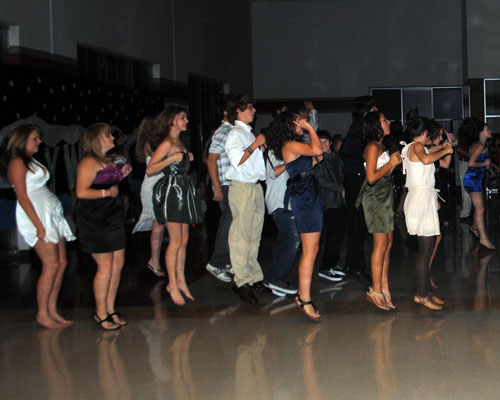 homecoming-dance-ja-2