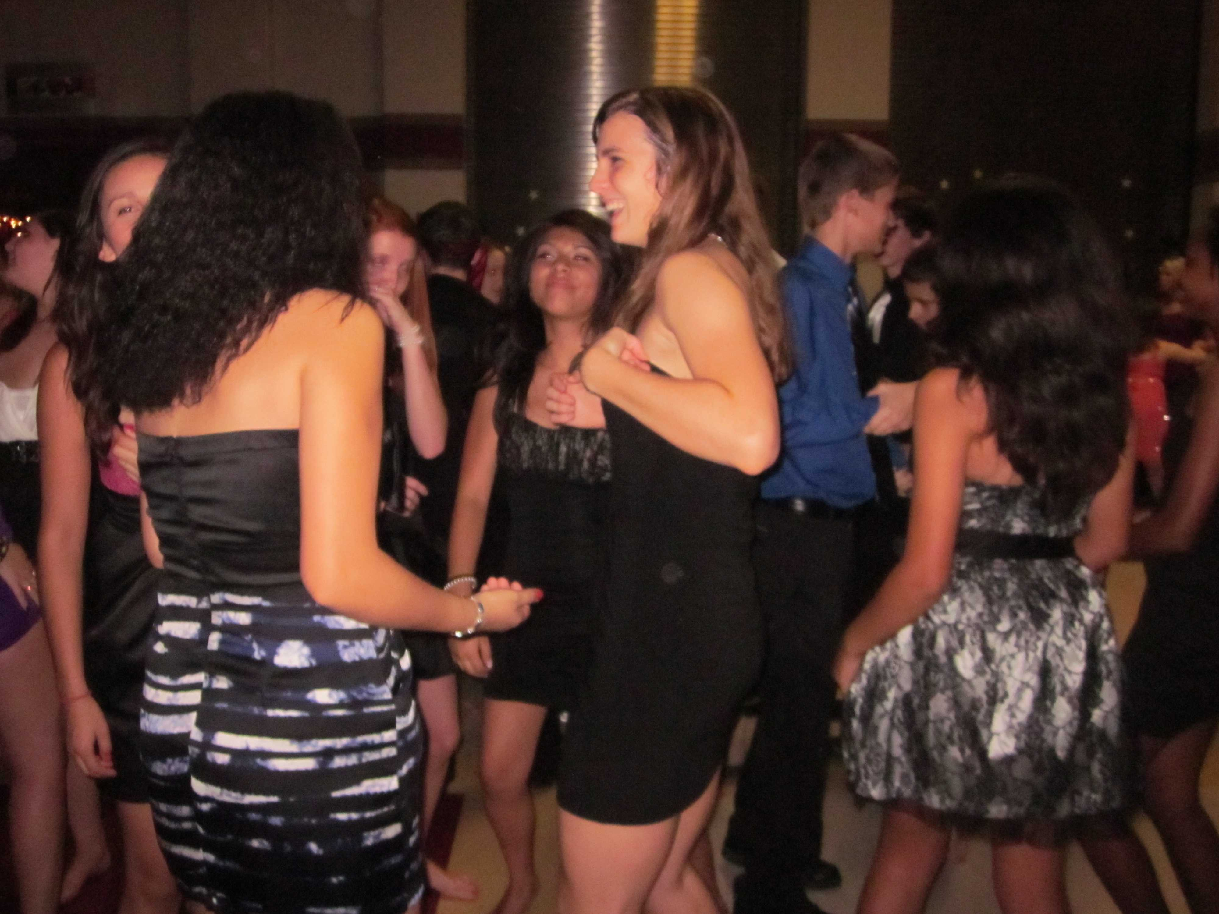 homecoming-dance-ss-1