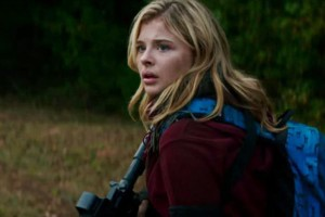 Chloe Grace Moretz plays Cassie Sullivan, the main character in The 5th Wave.