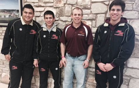 Three wrestlers place at regionals, advance to state