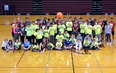 Boys basketball hosts clinic for the Leander Lazers